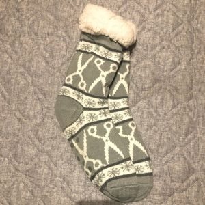 Fluffy warm knit ankle socks with Scissors design!